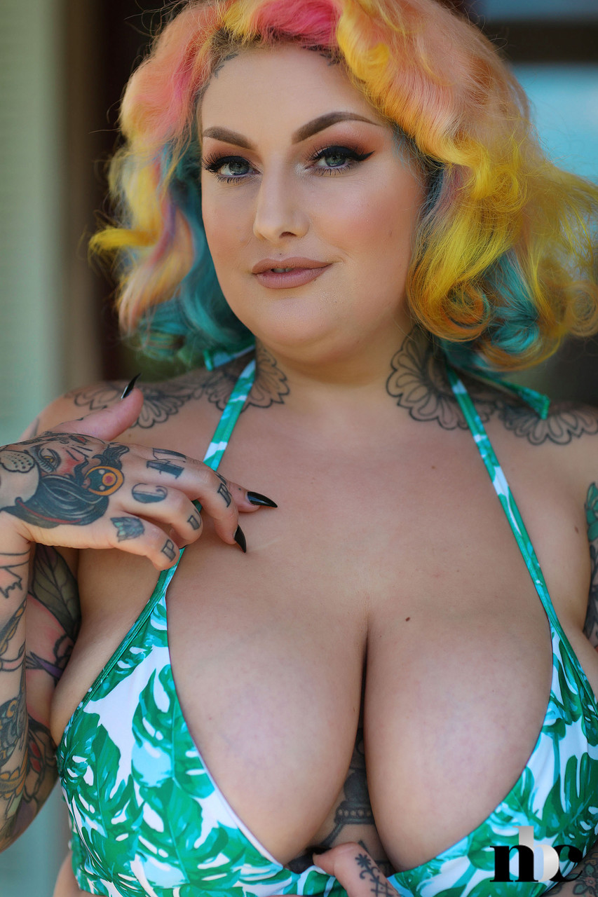 Galda lou big tits Inked Bbw With Rainbow Hair Galda Lou Exposes Her Huge Melons And Big Butt Mythumbnails Com